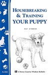 Animal Bulletins by Storey: Housebreaking & Training Your Puppy