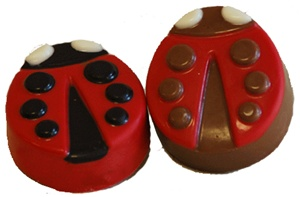lady bug oreo cookies