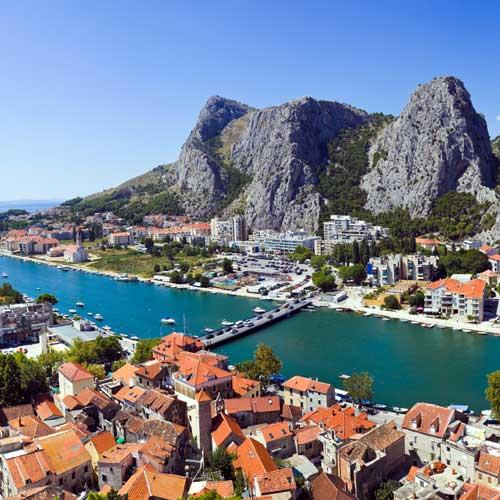 Split Shore Trip - Omis and Cetina River Cruise