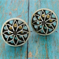 Circular flower shaped knob
