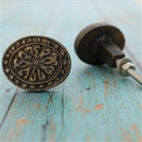 Oval Floral Metal Cabinet Knob in Antique Brass Finish