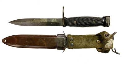 M 7  Bayonet with Scabbard for Colt M 16