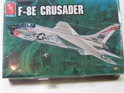 AMT 1/72 VOIGHT F-8E CRUSADER