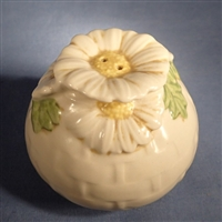 Salt Shaker Metlox Sculptured Daisy