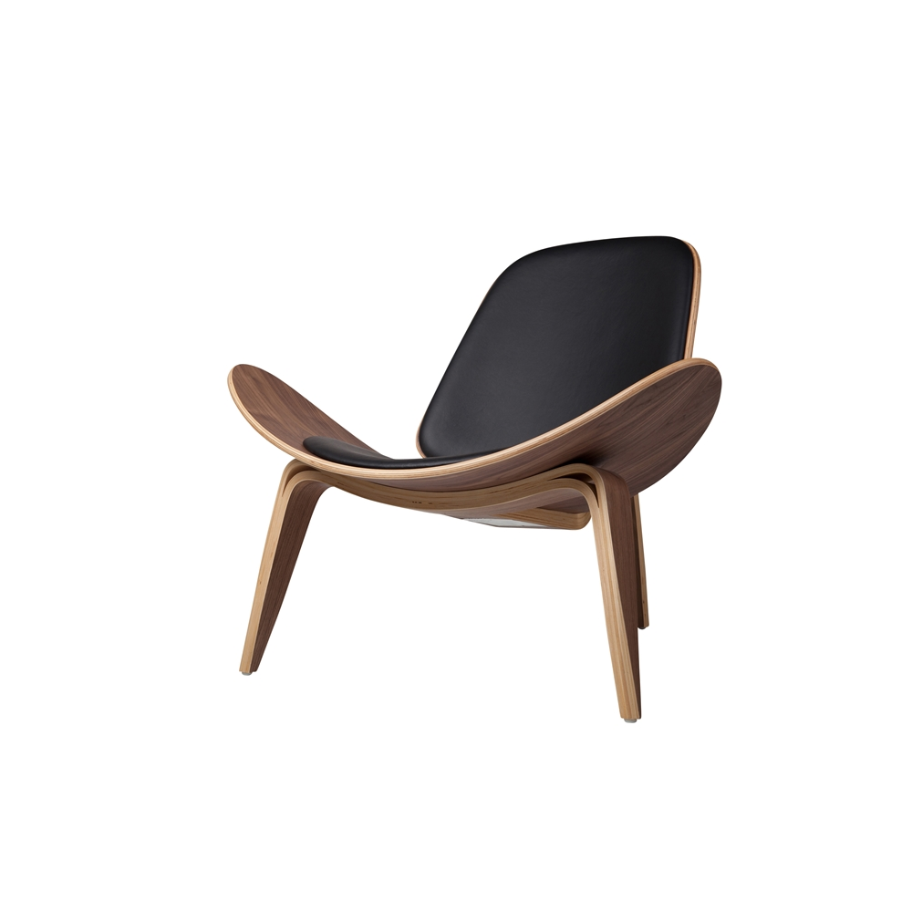 Shell Inspired Chair 07 Hans Wegner Black Leather Larger Photo Email A  Friend