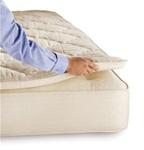 Tiffney Organic Round Mattress Topper