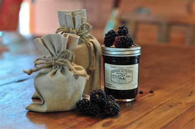 Hot Pepper Jelly with Blackberries