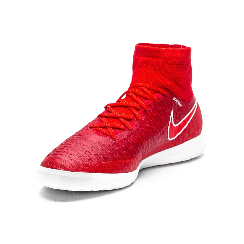 watch b6bb4 a0b5f Nike MagistaX Proximo IC Indoor Soccer Shoes ...