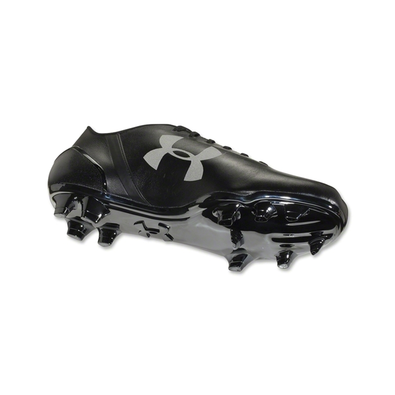 all black under armour cleats