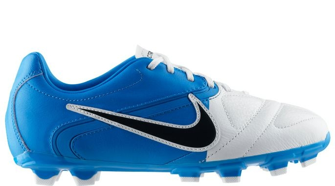 c600a588c34 Buy soccer shoes for little kids   OFF35% Discounts