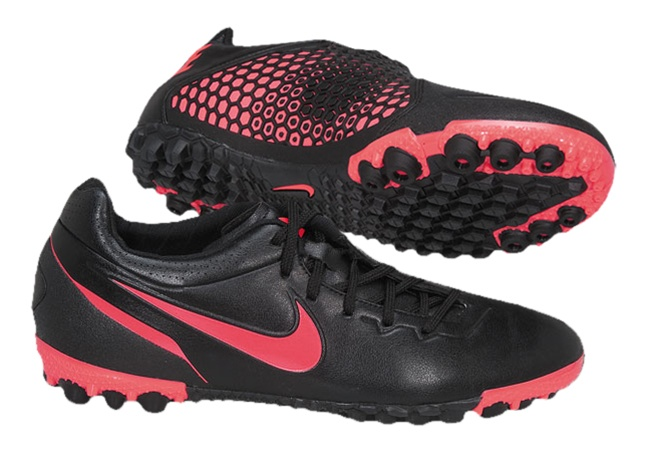 size 40 5bb89 f730e Nike5 Bomba Finale Indoor Soccer Shoes (Black Solar Red)