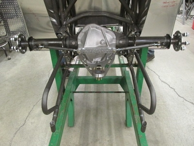 Dana 60 with hitch and snubber rail