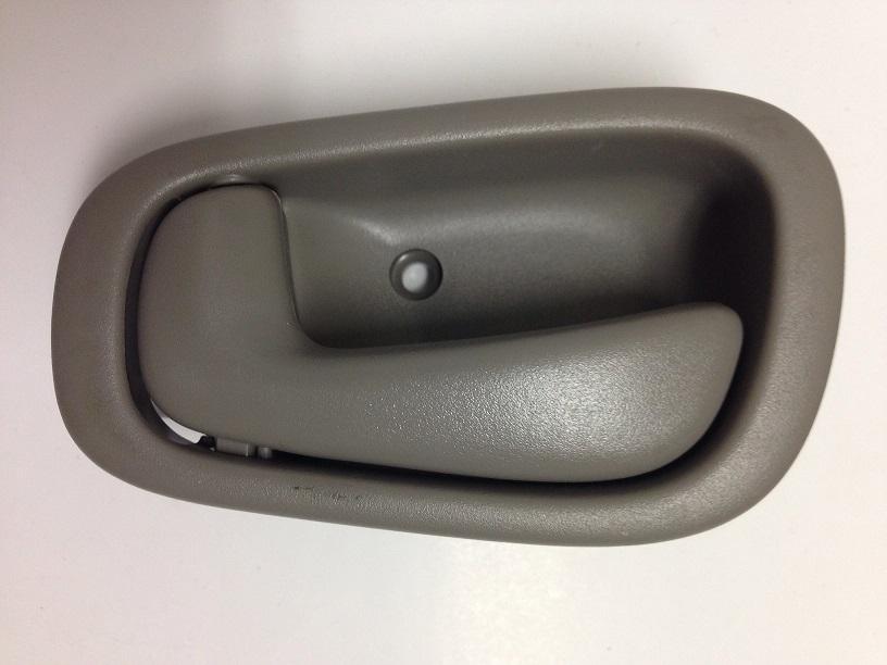 98 02 prizm interior door handle lh gray 98 02 prizm interior door handle lh gray