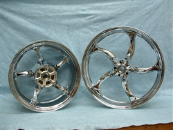 Raider Widened rear rim, chrome front rim