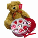 SweetHeart Tin of 16 Belgian Chocolate Oreos® & Large Russ® Bear