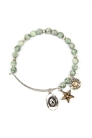 S24-8-2-83674EM-BS - COWBOY HAT CHARM NATURAL STONE BEADS WIRE BRACELET - GREEN SILVER/6PCS