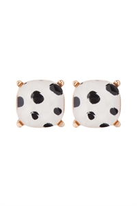 S7-6-2-AE0088DAL - GLASS CUSHION POST EARRINGS- DALMATIAN WHITE/6PCS