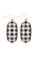 S25-6-4-AE0331GD-BUFFALO CHECKERD OVAL DROP EARRINGS-GOLD WHITE/6PCS