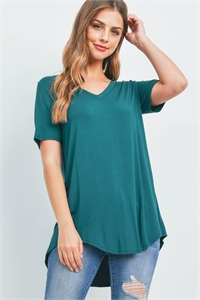 S16-4-5-AT-5541-DPGN - LUXE RAYON SHORT SLEEVE V-NECK HI-LOW HEM TOP- DEEP GREEN 1-1-2-2