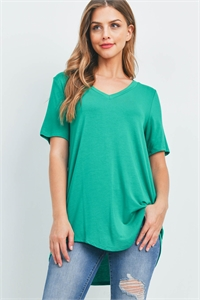 S16-8-3-AT-5541-KG - LUXE RAYON SHORT SLEEVE V-NECK HI-LOW HEM TOP- KELLY GREEN 1-1-2-2