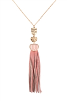S25-8-1-B3N2174DPK - PU LEATHER TASSEL METAL HAMMERED NECKLACE - DUSTY PINK/6PCS