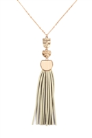 S25-8-1-B3N2174IV - PU LEATHER TASSEL METAL HAMMERED NECKLACE - IVORY/6PCS