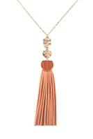 S25-8-1-B3N2174PH - PU LEATHER TASSEL METAL HAMMERED NECKLACE - PEACH/6PCS