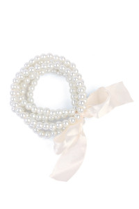 S6-6-4-ACB2667ACR CREAM 5 LINE PEARL WITH RIBBON BRACELET/12PCS