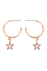 S6-6-2-CE19476GWT - STAR LINK HOOP MOP EARRINGS-GOLD WHITE/6PCS
