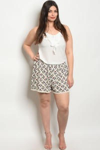 C70-B-2-S8052 IVORY WITH FLOWER PLUS SIZE SHORT 2-2-2