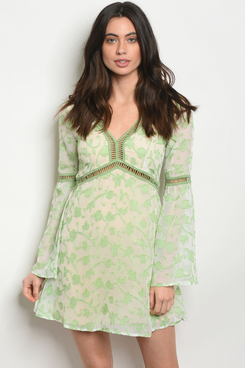 S23-5-1-D8365 GREEN IVORY FLORAL DRESS 4-3