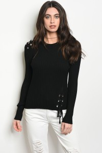 113-3-4-T0044 BLACK SWEATER 3-2-1