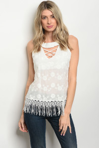 C37-B-3-T2713 OFF WHITE TOP 2-2-2