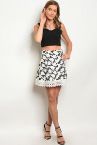 239-2-1-S22852 WHITE BLACK SKIRT 2-2-2