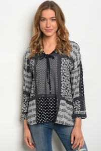 114-4-4-T2216 NAVY WHITE PAISLEY PRINT TOP 1-3-2