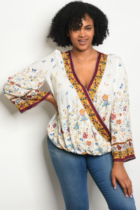 S9-15-4-T23780X WHITE FLORAL PLUS SIZE TOP 3-2-1