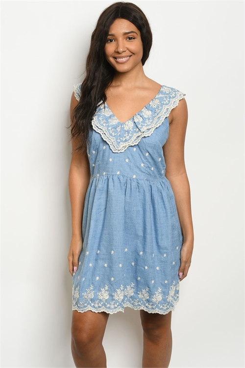 S23-5-3-D62722 BLUE IVORY LACE DRESS 2-2