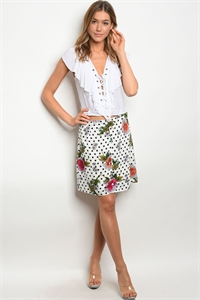 120-3-4-S90598 WHITE FLORAL FLORAL WITH DOTS SKIRT 1-1-1 ***TOP NOT INCLUDED***