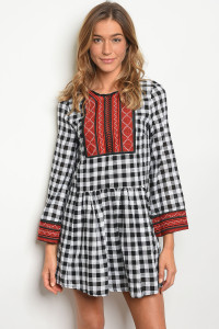 119-1-3-D97058 WHITE BLACK CHECKERED DRESS 1-2-2