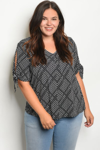 C89-B-1-T8123X BLACK OFF WHITE PLUS SIZE TOP 2-2-2