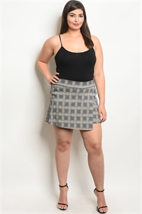 C98-B-2-TS9977X BLACK YELLOW CHECKED PLUS SIZE SHORT 2-2-2