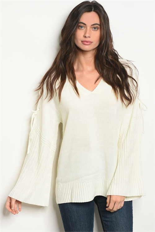112-1-3-T121286 IVORY SWEATER 2-2-2