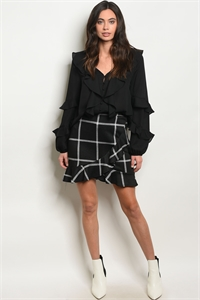 C66-B-4-S23437 BLACK CHECKERED SKIRT 2-2-2