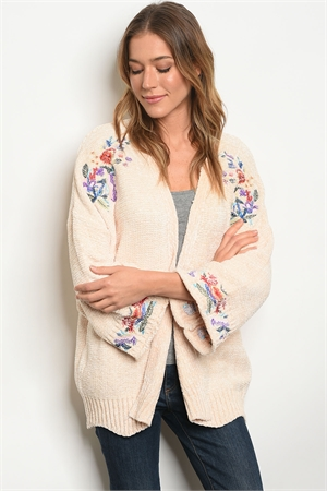 S12-6-1-S121287 CREAM WITH FLOWER EMBROIDERY SWEATER 2-2-2