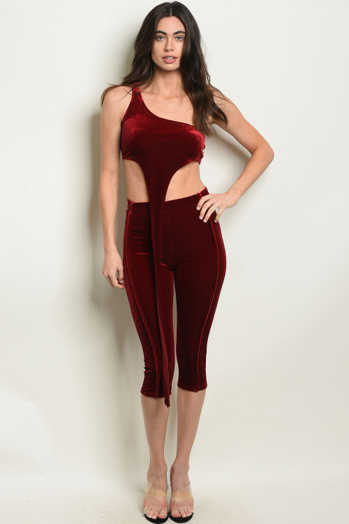 C32-A-4 SET30924 BURGANDY VELVET TOP & CAPRI SET 3-2-1