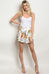 C90-B-1-S404319 IVORY FLORAL SHORTS 1-2-1