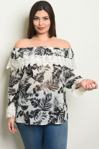 S7-9-2-T25552X OFF WHITE BLACK WITH LEAVES PLUS SIZE TOP 2-2-2