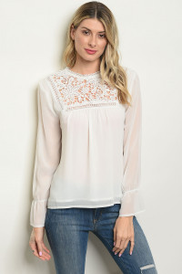 S23-3-4-T10202 OFF WHITE TOP 2-2-2