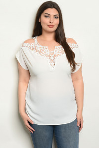 C60-B-6-T0881X OFF WHITE PLUS SIZE TOP 2-2-2