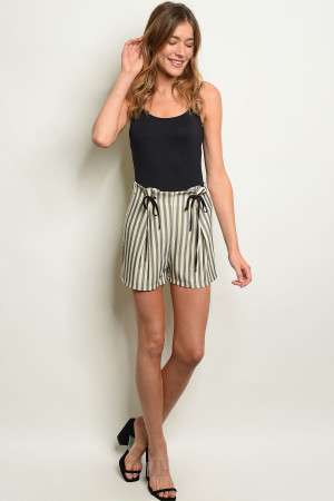 S21-9-4-S1113 IVORY STRIPES SHORTS 2-2-2